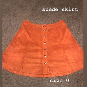 suede (70s) button up skirt !